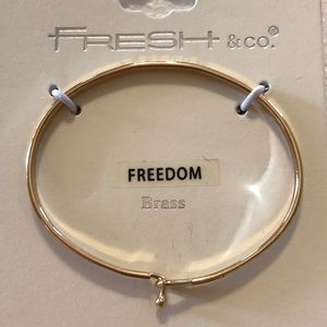 🔥NEW!!🔥Fresh & Co. Freedom Bangle in Gold